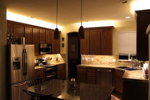 low-voltage-under-cabinet-lighting